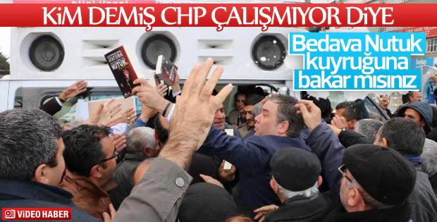 Buca Belediye Başkanı Erzincan'da Nutuk dağıttı