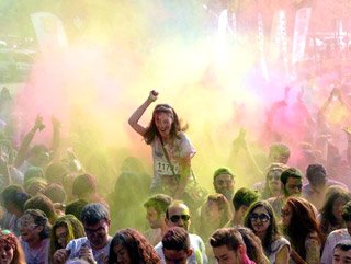 Bursa'da Color Sky 5K festivali
