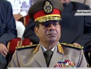 İstifa eden Sisi Cumhurbaşkanlığına adaylığını açıkladı