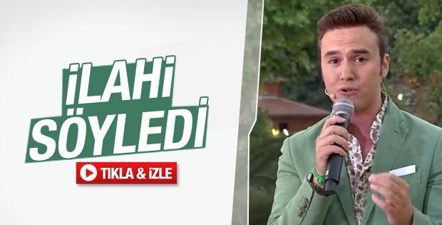 Mustafa Ceceli ilahi söyledi