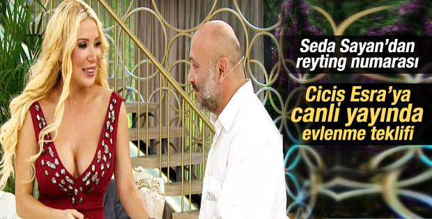 Ciciş Esra'ya canlı yayında evlenme teklifi İZLE