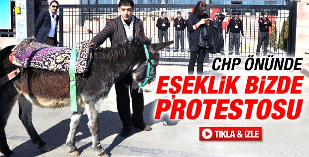 CHP Genel Merkezi önünde eşekli protesto