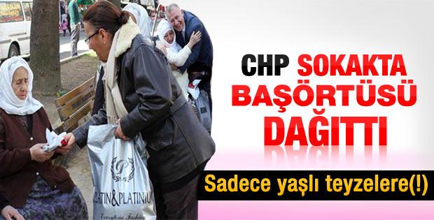 CHP kadın kolları sokakta türban dağıttı