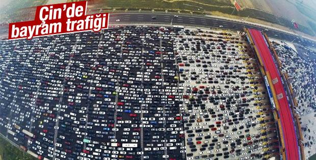 Çin'de tatil dönüşü trafiği