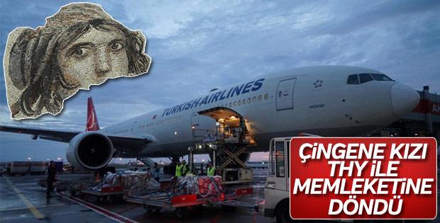 Çingene Kızı THY ile Türkiye'ye döndü