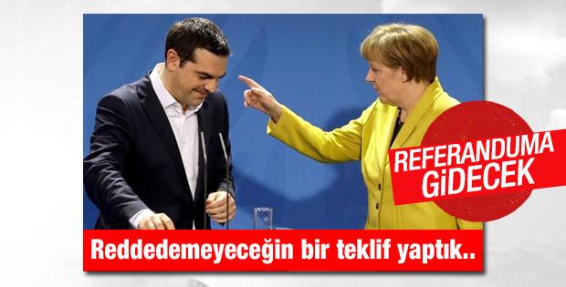 Merkel: Yunanistan'a yapılan teklif olağanüstü cömert