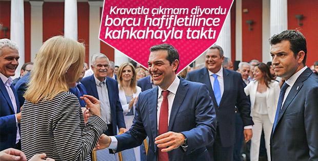 Çipras Euro Grubu Toplantısı'nda kravat taktı
