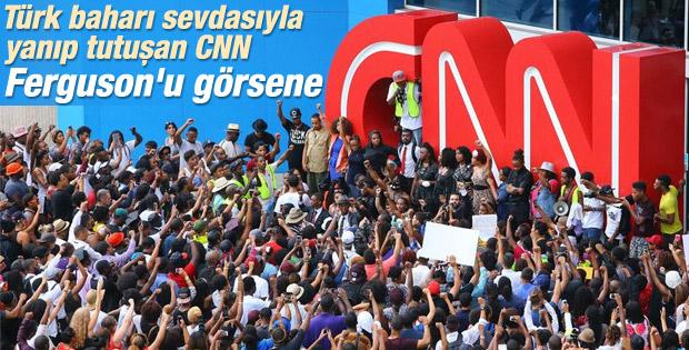 Ferguson'u görmeyen CNN'e Atlanta'daki merkezinde tepki
