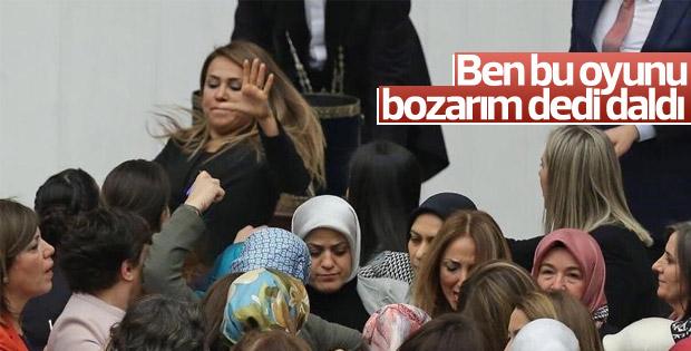 AK Partili Gökçen Özdoğan Enç'in kavgaya müdahalesi