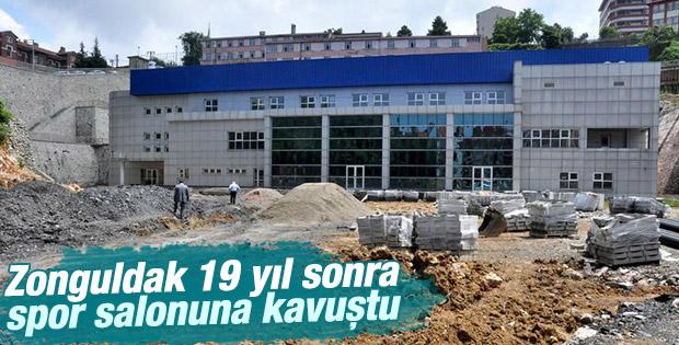 Zonguldak'ta 19 yıl sonra tamamlanan spor salonu