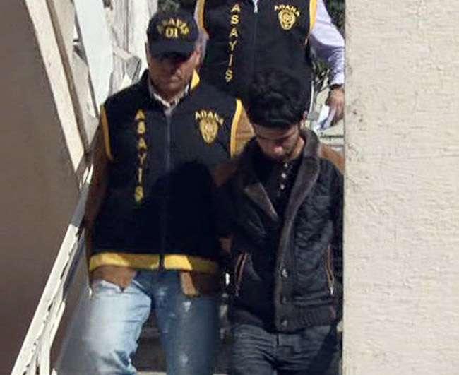 Adana'da sahte bir polis gerçek polise yakalandı