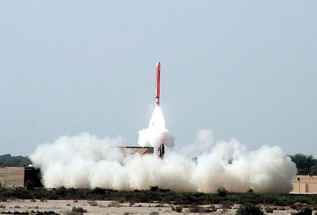 Kuzey Kore'nin iki füze daha fırlattığı iddiası