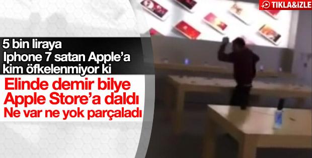 Apple'a sinirlenip mağazayı dağıttı