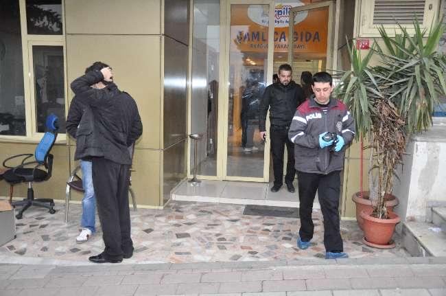 Üsküdar'da Özel Harekat Polisiyiz diyerek soygun yapıldı