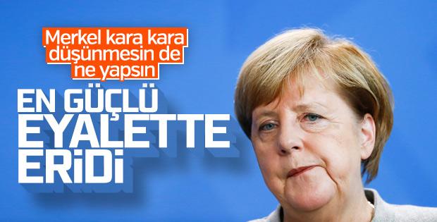 Almanya'da Merkel hükümetini sarsacak seçim