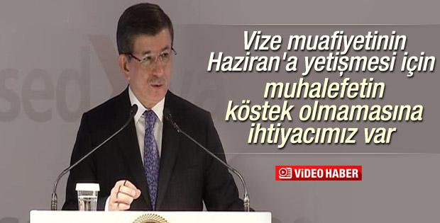 Başbakan Davutoğlu YASED resepsiyonunda konuştu
