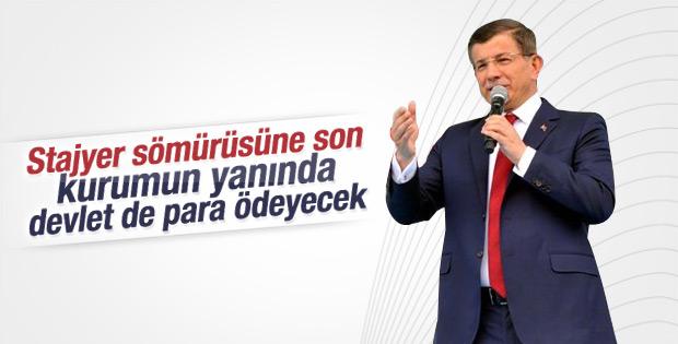 Başbakan Davutoğlu İstanbul'da gençlerle bir araya geldi
