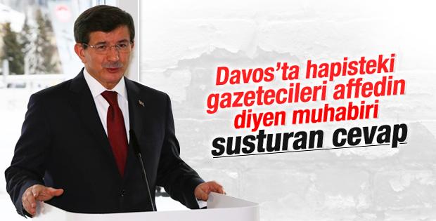 Davutoğlu'ndan hapisteki gazeteciler sorusuna net yanıt