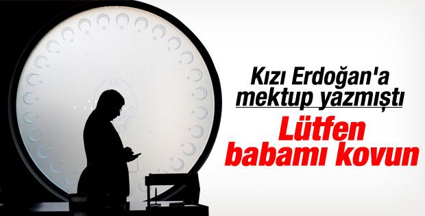 Davutoğlu'nun kızından Erdoğan'a: Lütfen babamı kovun