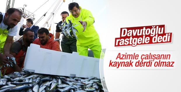 Davutoğlu Samsun'da balık tutmak için denize açıldı