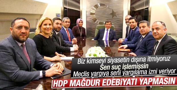 Başbakan Davutoğlu uçakta gündemi değerlendirdi