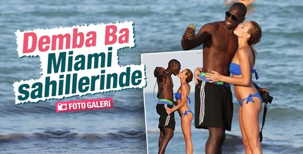 Demba Ba Miami sahillerinde görüntülendi İZLE