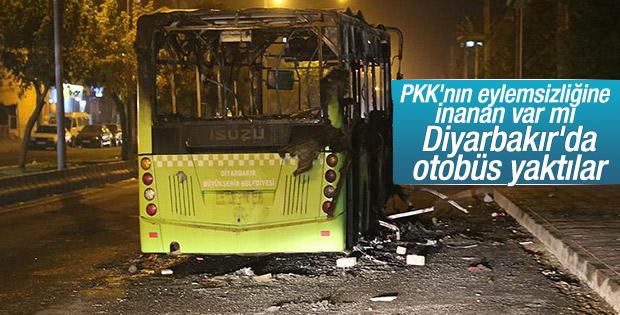 PKK'lılar Diyarbakır'da belediye otobüsünü yaktı