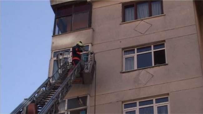 Kadıköy'de bir çamaşır makinesi yangına neden oldu