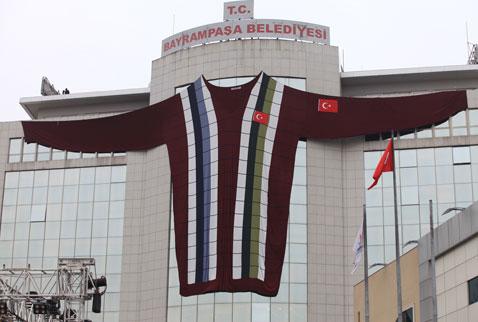 Dünyanın en büyük kazağı Türkiye'de yapıldı
