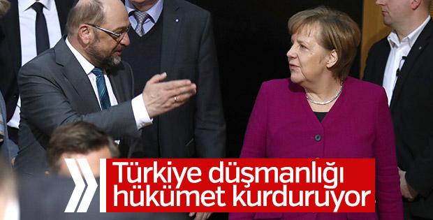 Almanya'da hükümet Türk düşmanlığıyla kuruluyor