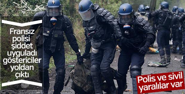 Fransa'da polis ve göstericiler çatıştı