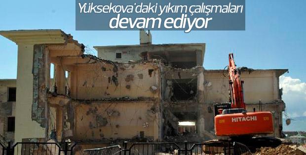 Yüksekova'daki yıkım çalışmaları devam ediyor