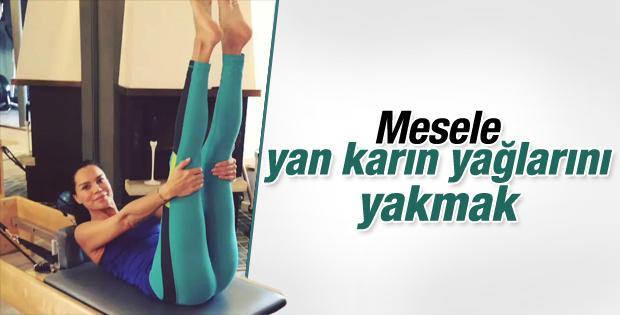 Ebru Şallı Instagram hesabından fitness videosu paylaştı