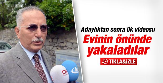 Ekmeleddin İhsanoğlu evinin önünde açıklama yaptı