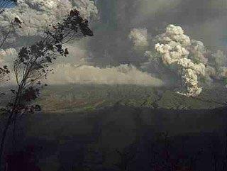 Ekvador'daki Tungurahua Yanardağı faaliyete geçti