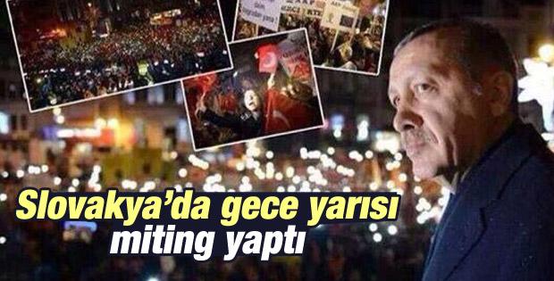Erdoğan'a Slovakya'da miting havasında karşılama - İzle