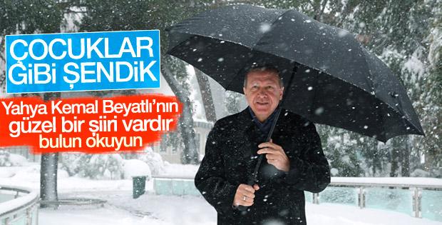 Cumhurbaşkanı Erdoğan kar altında yürüdü