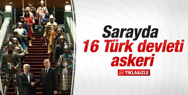 Erdoğan Mahmud Abbas'ı 16 Türk askeriyle karşıladı