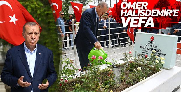 Erdoğan'dan Ömer Halisdemir'in kabrine ziyaret