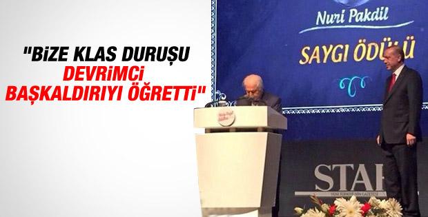 Necip Fazıl Ödülleri'nde Erdoğan'dan anlamlı hareket