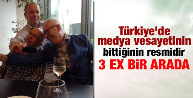 Enis Berberoğlu Ertuğrul Özkök'le birlikte poz verdi
