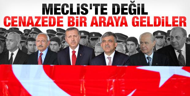 Devletin zirvesi Gaziantep'teki cenaze törenindeydi