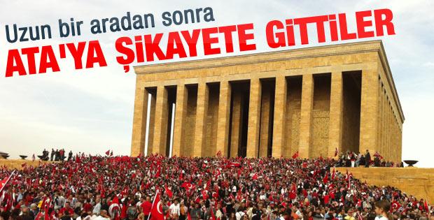 Binlerce kişi Anıtkabir'de Ata'sına kavuştu