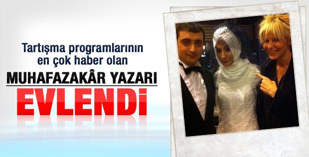 Esra Elönü evlendi