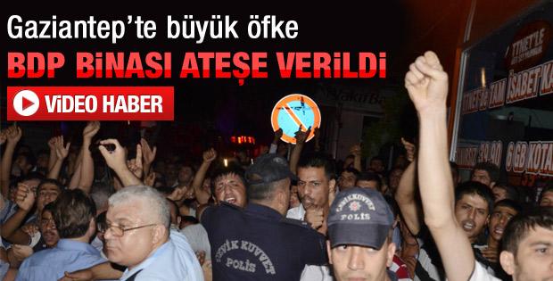Gaziantep'te BDP binasını ateşe verdiler