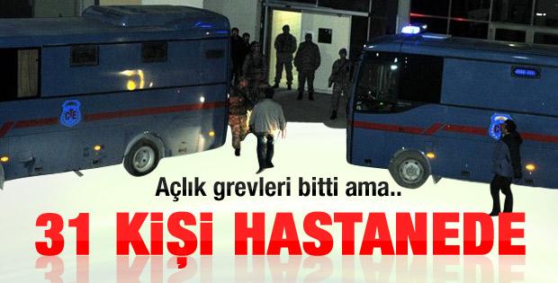 Açlık grevini bitiren 31 tutuklu tedavi altına alındı