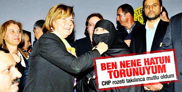 CHP'ye katılan çarşaflı: Rozeti takınca mutlu oldum