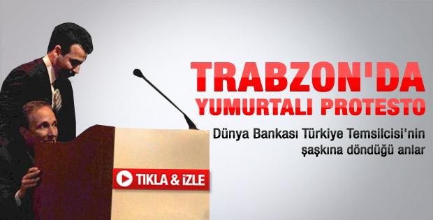 Dünya Bankası Türkiye Direktörü'ne yumurtalı protesto