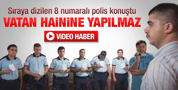 Sıraya dizilen polislerden Murat Emer konuştu