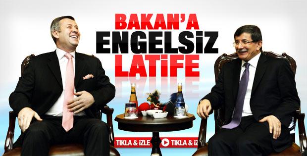 Metin Şentürk'ten Davutoğlu'na latife